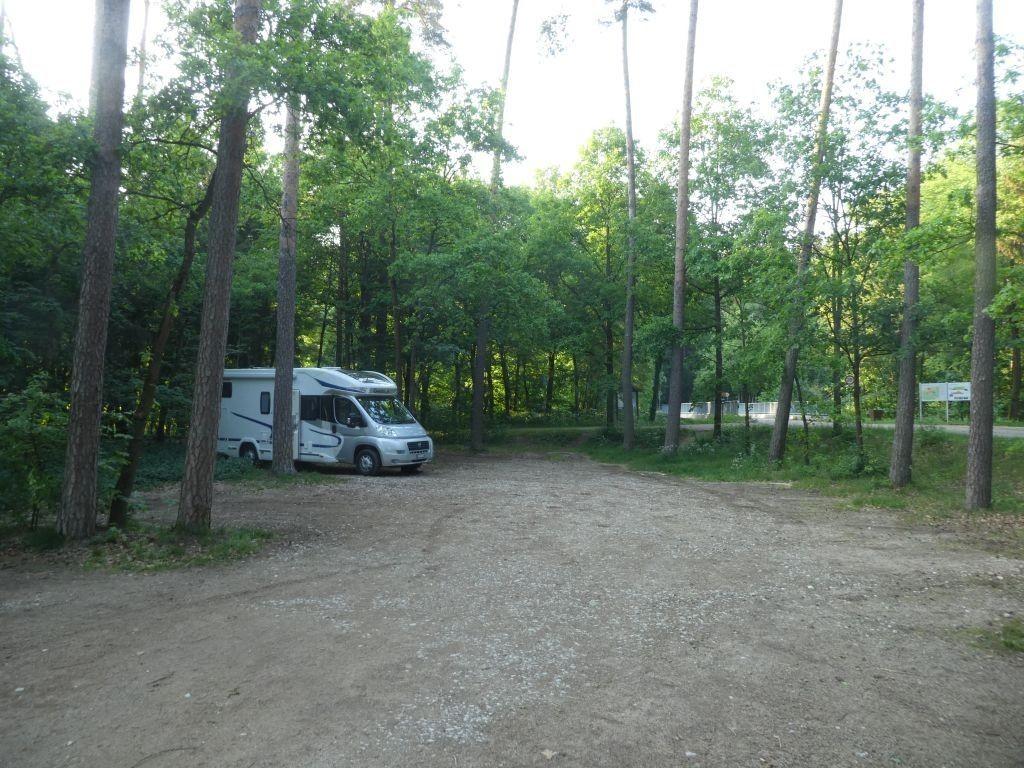Parkplatz zwischen Altmühl- und Brombachsee